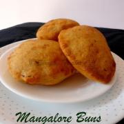 Mangalore Buns Recipe | Banana Buns | Sweet Banana Pooris