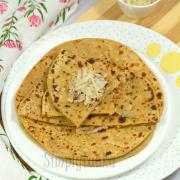 Nariyal ka Meetha Paratha Recipe