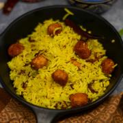 Rajasthani Gatta Khichdi (Marwari Gatta Khichdi Recipe)